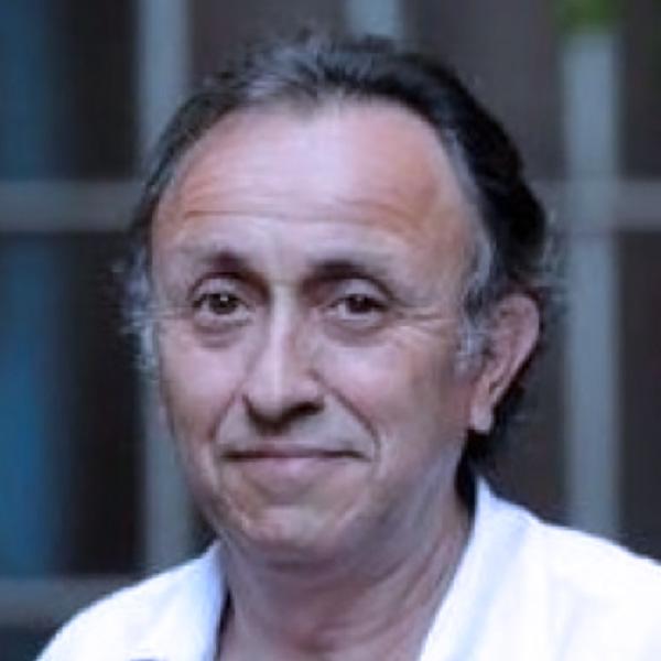 Dr. Gustavo De Simone